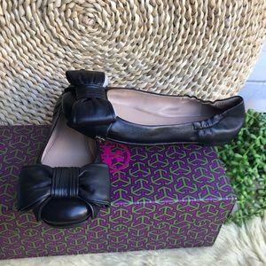 TORY BURCH 🍁Divine leather flats Sz 7 New